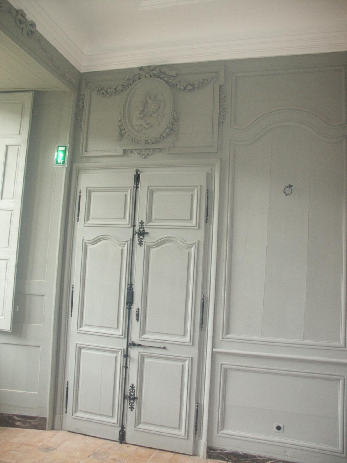 Portes intérieures et habillages muraux en bois - Maine et Loire